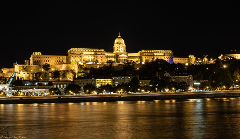 A night shot of the Buda castle