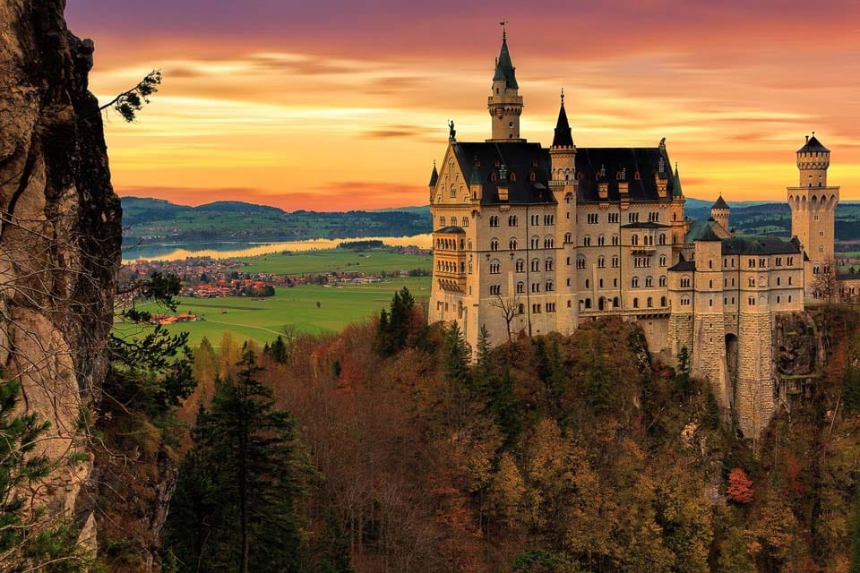 Neuschwanstein Castle in Germany: Stunning castles around the world