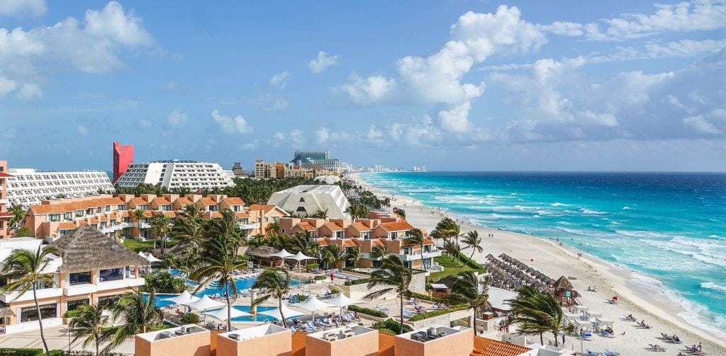 cities to visit in Mexico; Cancun beach
